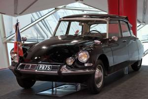 1280px-Citroën_DS_présidentielle_(1963)_au_C42