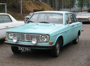 1280px-Volvo_144_Lahti_slightly_cropped