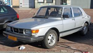 1982_Saab_99_4-dr