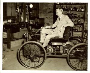 Хенри Форд с първия си Quadrocycle