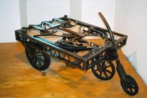 Възстановка на количката на Да Винчи по чертежите му