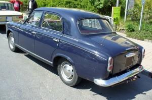 Peugeot_403_blue_Heck