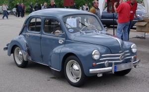 Renault_4CV_BW_1