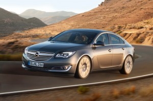 Opel-Insignia-286332-leading