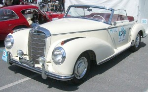 1024px-Mercedes-Benz_300S_Roadster_1953
