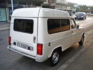 1280px-Renault_4_in_Prato_2