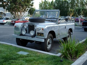 1280px-1962_Land_Rover_Series_II_-_34_Front