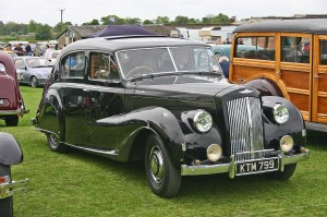 1280px-Austin_A135_Princess_MkII_DS3_front
