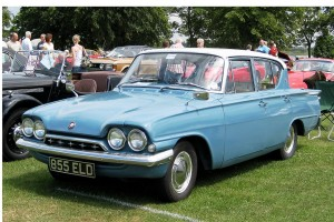 1280px-Ford_Classic_four_door_registered_May_1962_1498_cc