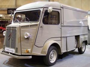 1280px-Citroën_Typ_H_1981_grey_vl_TCE