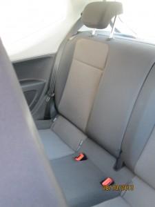 На дълбоките седалки отзад се побират и по-високи пътници.