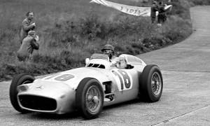 Juan-Manuel-Fangio-Mercedes-Benz-W196