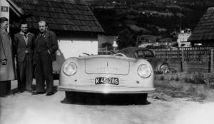 Бащата и синът с първото Porsche