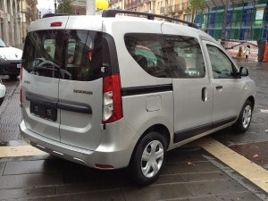 1280px-2012_Dacia_Dokker_1.5_dCI_rear