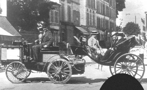 1894_paris-rouen_-_count_albert_de_dion_(de_dion-bouton_steam_tractor)_finished_1st,_ruled_ineligible_for_prize