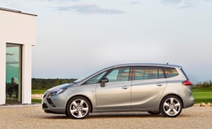 Opel-Zafira-Tourer-IntelliLink-1