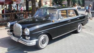 1280px-Mercedes_W110_Bochnia_1