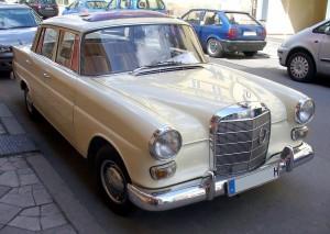 Mercedes-Benz_W110_200D
