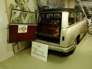1024px-AWZ_P70_Kombi_Fahrzeugmuseum_Chemnitz
