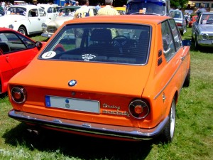 1024px-BMW_2002tii_Touring_1974_2