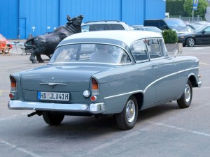 1280px-Opel_Olympia_Rekord_P1_(1959)_p2