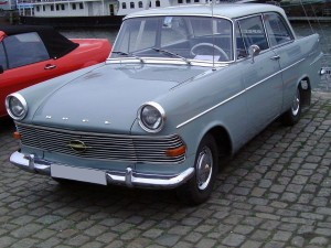 1280px-Opel_Rekord_P2_grey