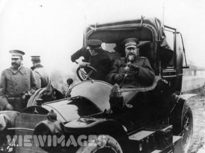 Фердинанд в една от своите коли