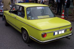 BMW_1802_yellow_hl