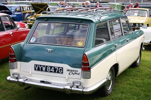 Morris_Oxford_Traveller_Series_VI_rear