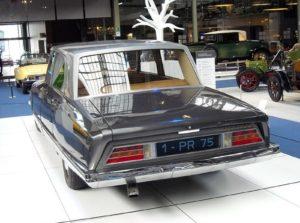 Citroën-DS-21-Présidentielle-1-PR-75-arriere