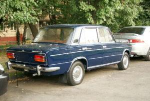 1280px-Blue_VAZ-2103