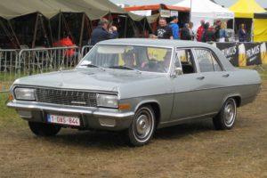 Opel_Admiral_A,_Schaffen_Diest_Fly-Drive_2013