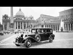 1930-Mercedes-Benz-Nurburg-460-Popemobile-St-Peters-Square-1280x960