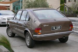 1974_Alfa_Romeo_Alfasud_4-door_sedan_(2015-07-15)_02