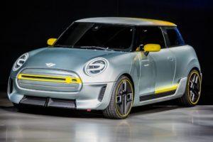 Производството на електрическото MINI Е няма да започне преди ноември 2019 г.