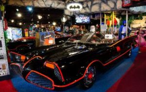 Hollywood-Star-Cars-066-Bat-335x212