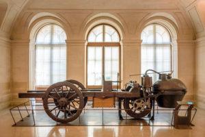 Joseph_Cugnot's_1770_Fardier_à_Vapeur,_Musée_des_arts_et_métiers,_Paris_2015