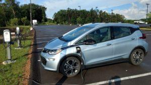 Зареждане на Chevy Bolt EV преди пътуване през Мериленд