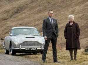 В Skyfall – Джеймс Бонд с Aston Martin DB10 2015