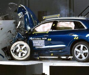 2019 краш-тест на Audi E-tron IIHS
