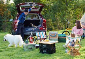Семейство корейски актьори позират за рекламата за бензин, за да популяризира SUV-а Korando като семеен автомобил. (SsangYong Motor)