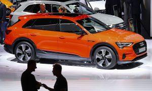 Audi планира да пусне 30 електрифицирани превозни средства до 2025 г., а две трети от тях ще бъдат изцяло електрически модели. Акумулираният от батерията Audi e-tron 55 quattro има обхват от над 400 км.