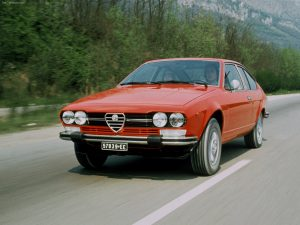 Alfa_Romeo-Alfetta_GTV_2.0-1976-wallpaper
