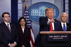 Тръм на пресконференция за коронавируса в Белия дом