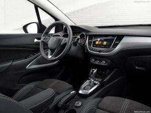 Opel-Crossland-2021-1024-06