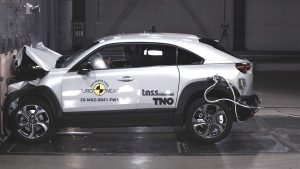 mazda-mx-30---full-width-rigid-barrier-test-takes-place-at-50-kmh