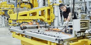Производство на батерии за Mercedes Benz