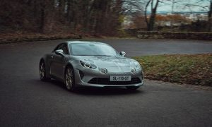 Alpine A110 ще бъде заменен от електрически спортен автомобил, разработен съвместно с Lotus