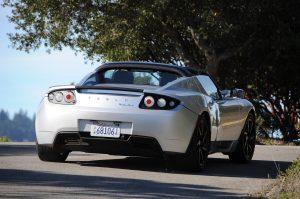 2011 Tesla Roadster Sport в слънчева Калифорния