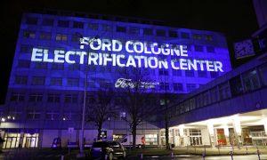 Ford инвестира 1 милиард долара във фабриката си в Кьолн, Германия, като част от трансформацията само за електричество.